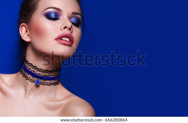 Wavy Blue Choker