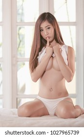 sexy asian girl naked