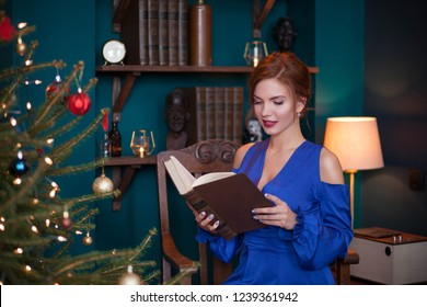 beautiful young woman celebrating christmas