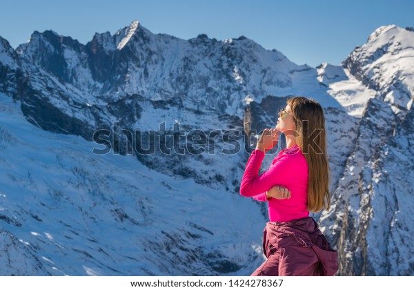 beautiful-young-woman-front-snow-600w-14