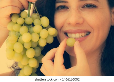 Lips Grapes Images Stock Photos Vectors Shutterstock