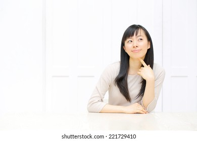 beautiful young woman using laptop computer