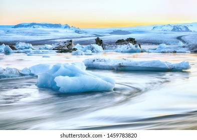 Beautifull landscape with floating icebergs in Jokulsarlon glacier lagoon at sunset. Location: Jokulsarlon glacial lagoon, Vatnajokull National Park, south Iceland, Europe
