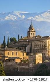 Hermosa vista desde la Alhambra española en Granada