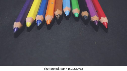 Beautifully arranged Color pencils, wallpaper of colorpencils, colorfull images