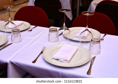 Beautifully served table in a restaurant.