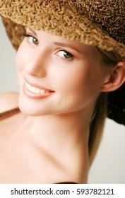 beauttiful woman in hat