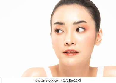 Beauty asian women portrait face with natural skin and skin care healthy hair and skin close up face beauty portrait.