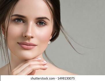 Beauty face woman close up healthy skin naturel makeup