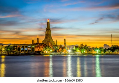 The beauty of'' Temple of Dawn '' or Arun Ratchawararam Temple, Bangkok, Thailand.