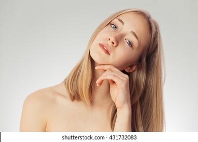 beautiful-nude-nordic-woman-katie-morgan-masterbatipn
