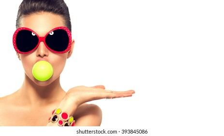 c79a914d3d92e Beauty summer fashion model girl wearing sunglasses with green bubble of  chewing gum and bright makeup