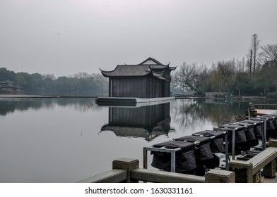 the beauty of west lake in hangzhou china