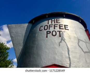 """Bedford, Pennsylvania - September 3, 2018: """"The Coffee Pot"""" building was designed and erected by Bert Koontz in 1927 to attract visitors to his gas station along historic Rt. 30, the Lincoln Highway."""