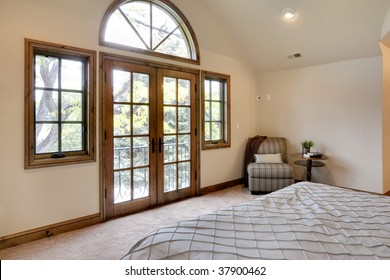 Bedroom Balcony : white french doors interior - zebratimes.com