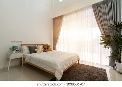High Quality Bedroom Design With Big Window.