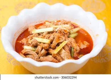 beef omasum with chili sauce, a popular chinese dish