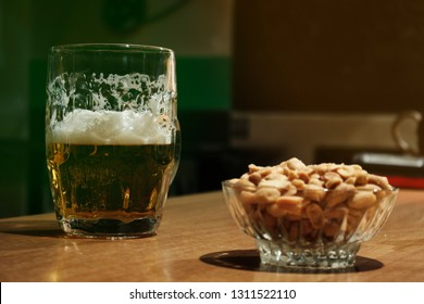 Beer and peanuts, what do zou need more for St Patrick day or Oktoberfest