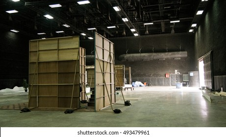 behind the scene  in the movie set design