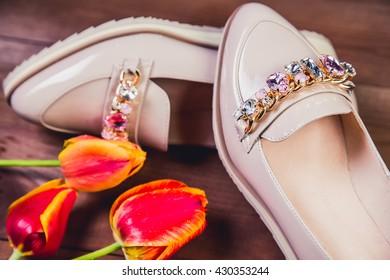 beige female shoes with rhinestones Italian shoes fashion