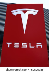 Tesla Logo Images Stock Photos Amp Vectors Shutterstock