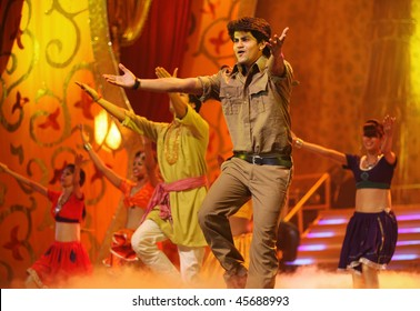 Bollywood Dance Images, Stock Photos & Vectors | Shutterstock