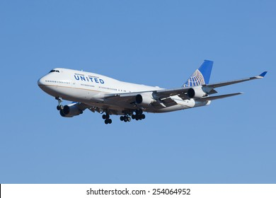 United Airlines 747 Images, Stock Photos & Vectors
