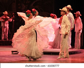 BEIJING-SEP 14: Artists from Amalia Hernandez's Folkloric Ballet of Mexico perform on stage at the Beijing Exhibition Theater on Sep 14, 2010 in Beijing, China