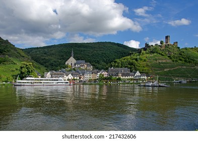 BEILSTEIN, RHINELAND-PALATINATE, GERMANY - 27 AUG 2014: The village of Beilstein sits on the River Mosel below the ruins of Burg Metternich.