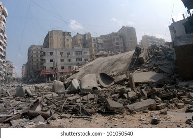BEIRUT, LEBANON - JULY 20 : Buildings destroyed by Israeli bombing in the city of Beirut on July 20, 2006, Beirut,Lebanon.