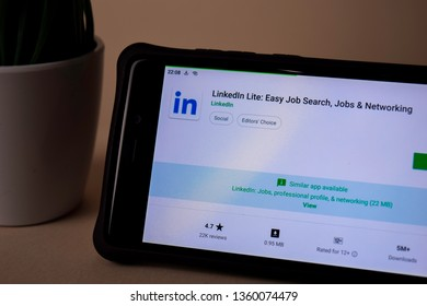 BEKASI, WEST JAVA, INDONESIA. APRIL 5, 2019 : Linkedln Lite dev application on Smartphone screen. Easy Job Search, Jobs & Networking is a freeware web browser developed by Linkedln
