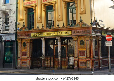 BELFAST, NORTHERN IRELAND - APRIL 22: The Crown Saloon 22 April, 2017 at Belfast. The Crown is a famous Victorian saloon in Belfast.