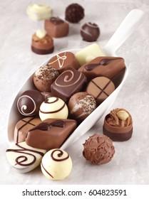 BELGIAN CHOCOLATES IN SCOOP