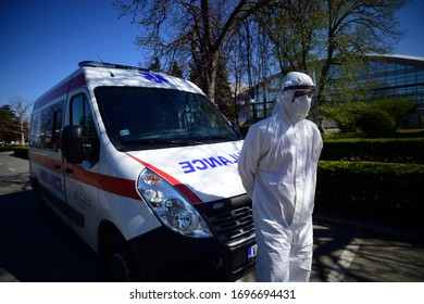 Belgrade 07.04.2020. Serbian army made temporary hospital on Belgrade Fair, for treatment of mild corona virus cases. Doctors and soldiers wearing protective suits.