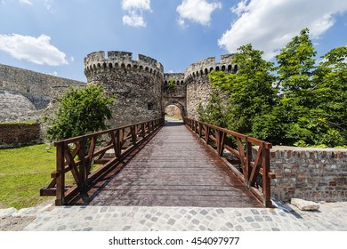 Belgrade old fortress wall surrounded by nature in day time