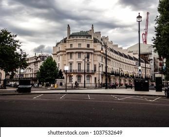 Belgravia building London, street corner