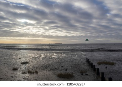 Bell wharf beach on a winter's day, Leigh-on-Sea, near Southend, Essex, England