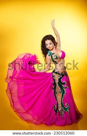 Beautiful exotic girl dancers foto 86