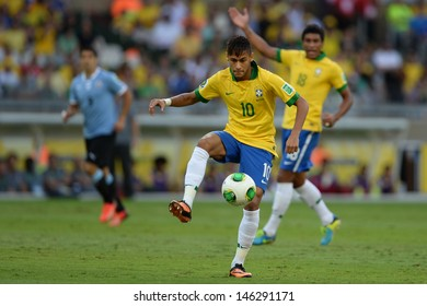 BELO HORIZONTE - JUNE 26: Neymar during game between Brazil vs Uruguay during Confederation Cup, in the stadium of the Mineirao on june 26, 2013 in Belo Horizonte, Brazil.