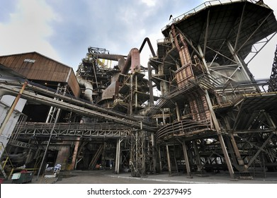 Belo Horizonte, Minas Gerais, Brazil :?? June. 27.2008 : Usiminas, Brazil's biggest steel mill, the largest steel complex in Latin America, Belo Horizonte, Minas Gerais, Brazil
