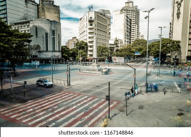 Belo Horizonte/Minas Gerais/Brazil - 08/23/2018: September Seven Square during the day with traces of cars and people on long exposure.