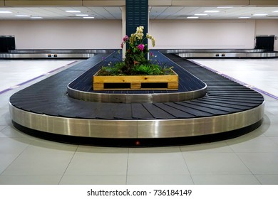 Belt Conveyor in the airport
