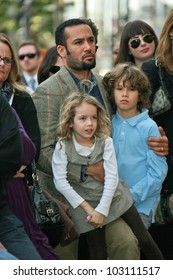 Ben Harper and Children at the induction ceremony for Mary Steenburgen into the  Hollywood Walk of Fame, Hollywood Blvd., Hollywood. CA. 12-16-09