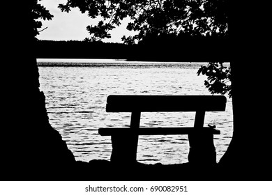 The bench at the lake