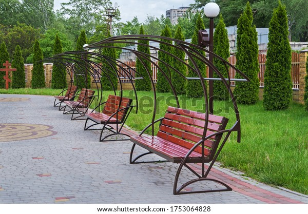 benches-relaxation-courtyard-churchyard-