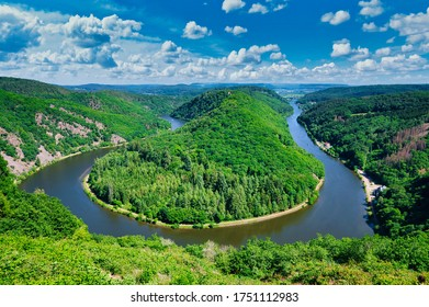 A bend in the river Saar, also known as Saarschleife near the German city of Mettlach.
