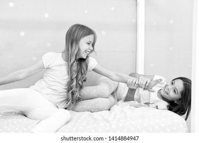 Benefits having sister. Awesome perks of having sister. Sisters older or younger major factor in siblings having more positive emotions. Girls sisters spend pleasant time communicate in bedroom.