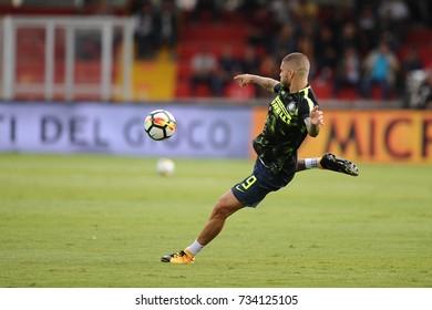 BENEVENTO, ITALY - OCTOBER 01: Mauro Icardi of Inter Milan during the Serie A match between Benevento and Inter Milan at Ciro Vigorito Stadium, Benevento, Italy on 1 October 2017