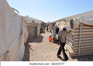 BENGHAZI - LIBYA  - APRIL  14, 2012: People living in the camps because of the Civil War on April  14, 2012  in Benghazi - Libya