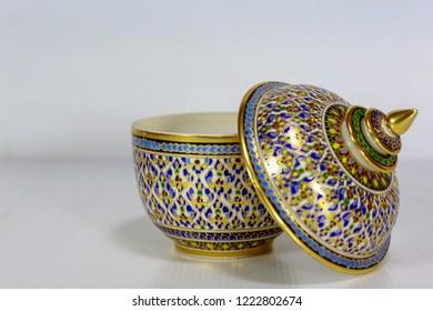 The benjarong jar